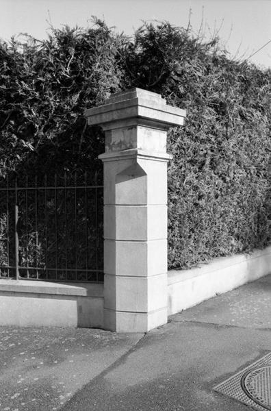 https://claraprioux.com:443/files/gimgs/th-320_Chateau-Fanzine-1_01.jpg